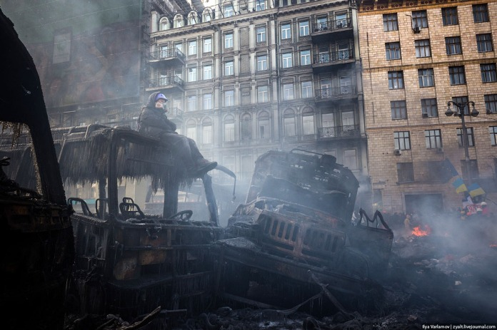 Morning arrives, 23 January 2014, and with it a temporary ceasefire at Maidan.
