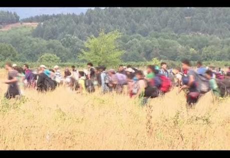 refugeesIntoMacedonia