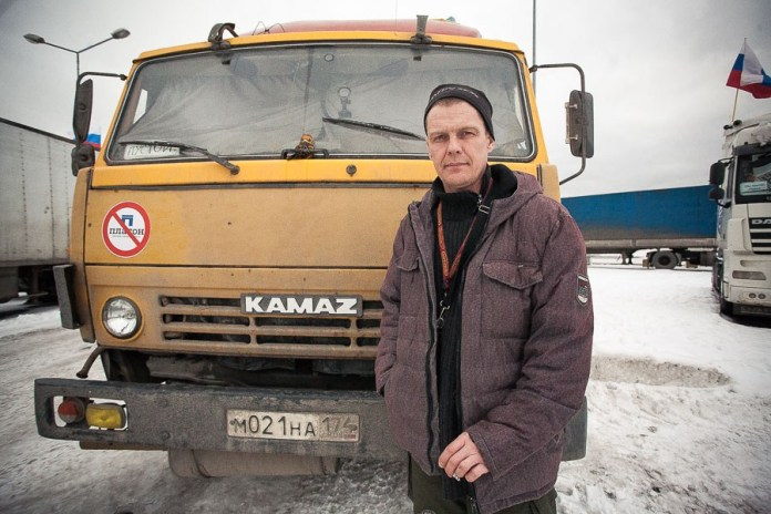 Alexander, 45, individual entrepreneur, owns his own truck. Moved to Petersburg from the Urals in 2013. Married. Has raised six children, four of them his own and two adopted.